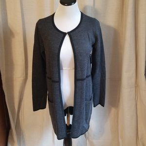 NWT Tahari Long Sweater size Small